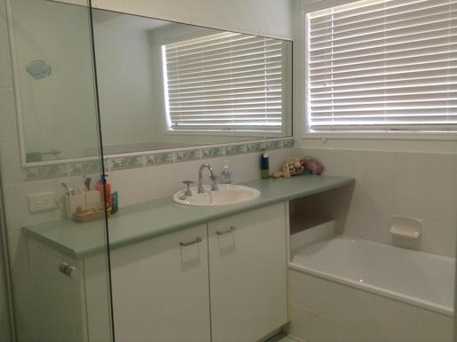 Home exchange in,Australia,Sunshine Coast,Main bathroom.