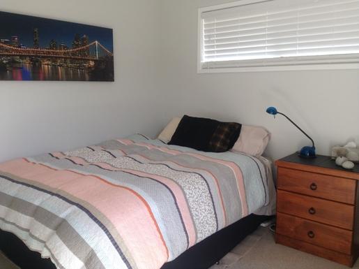 Home exchange in,Australia,Sunshine Coast,Second bedroom with queen bed.