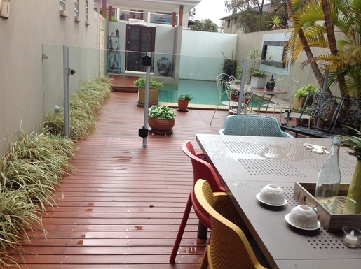 Home exchange in,Australia,Tewantin,Entrance and swimming pool.