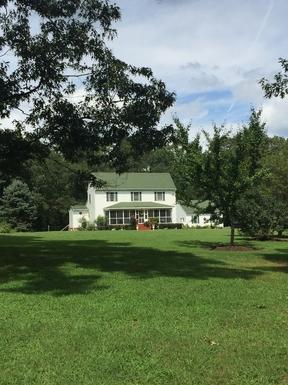 BoligBytte til USA,Chester, VIRGINIA,A quaint two story farmhouse style home.,Boligbytte billeder