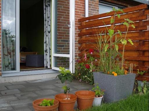BoligBytte til,Sweden,Stockholm, 0k, SE,The living room opens to the garden facing South