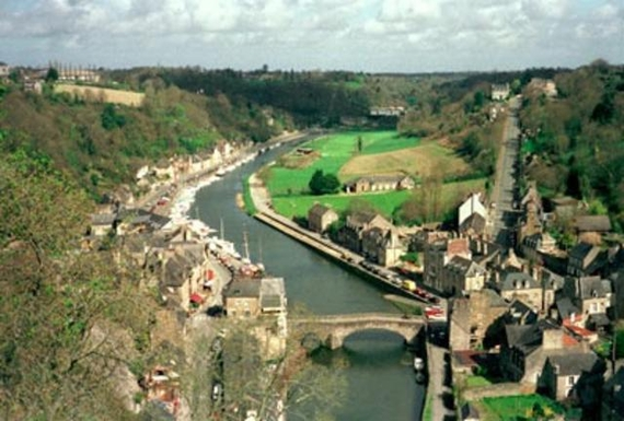 Home exchange in,France,Dinan,The River Rance taken from the Chateaux at  Dinan.
