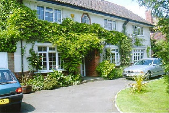 Home exchange in United Kingdom,Cowes, Hampshire,Large house in Cowes, close to the sea,Home Exchange & Home Swap Listing Image