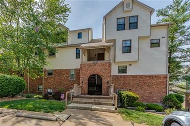 7004 Green Tee Court #E Saint Louis,MO 63129