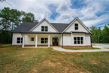 Magnificent 30650 Madison Ga Real Estate Homes For Sale Homesnap Home Interior And Landscaping Spoatsignezvosmurscom