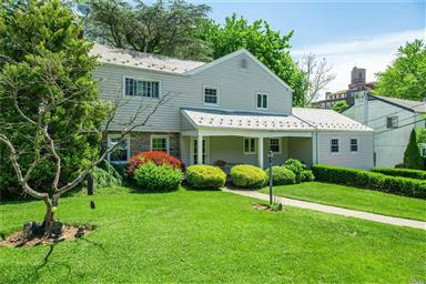 22 Hilltop Drive E Great Neck,NY 11021