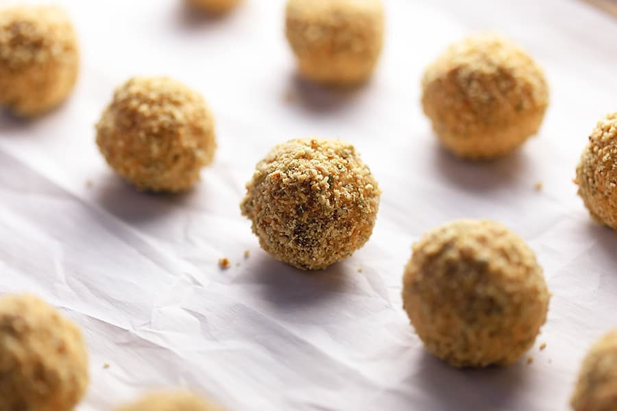 Low Carb Pumpkin Cheesecake Energy Balls