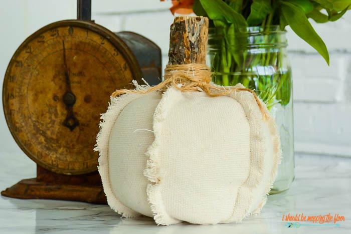 Easy Fabric Pumpkins