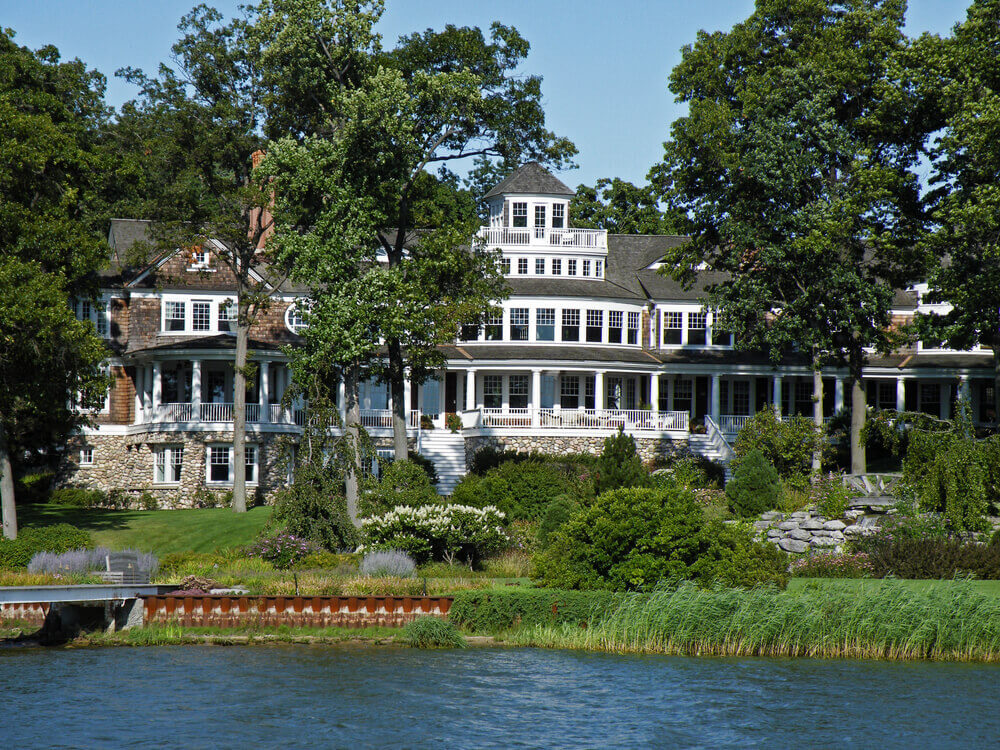 54 Stunning Lake Houses Famous New Old Big And Cozy