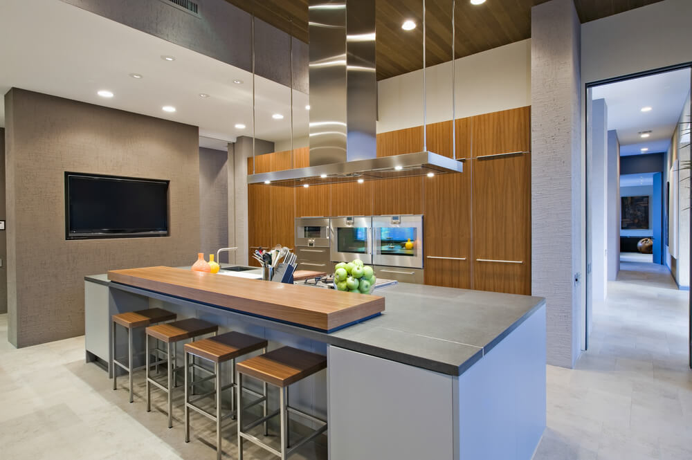 Kitchen with great dine-in island