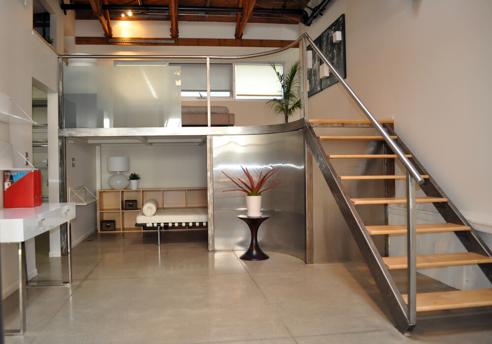 Incroyable Loft Creating Two Bedrooms