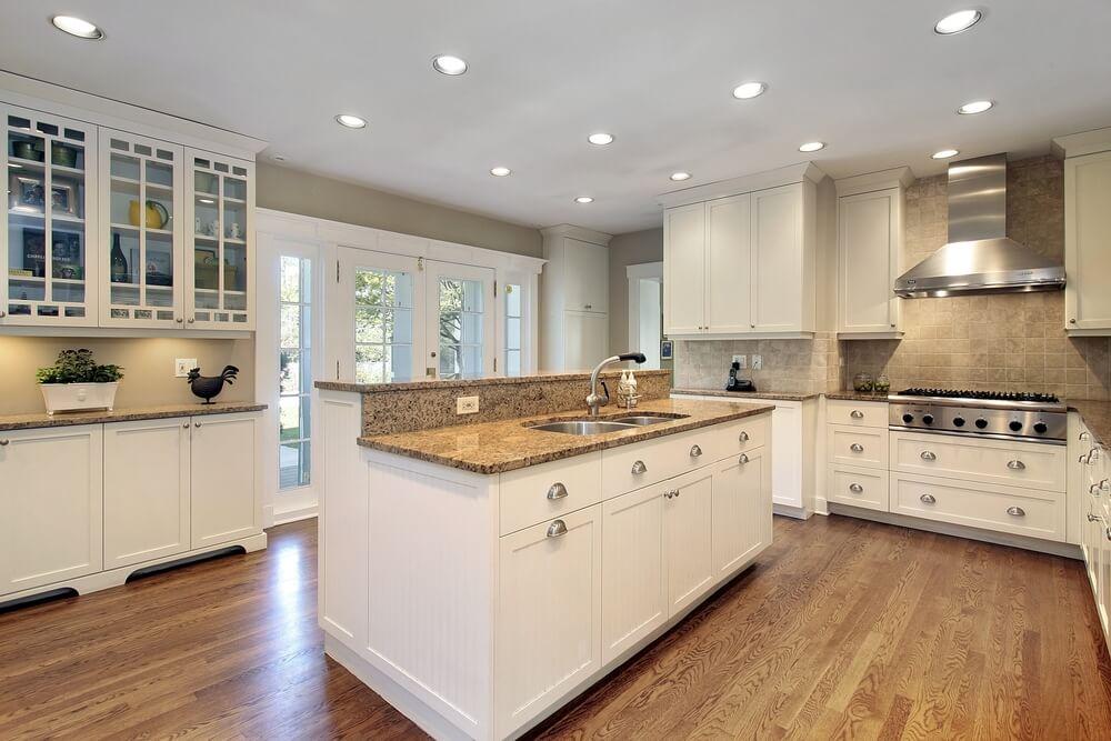 Recessed lighting white kitchen for Brand new kitchen designs