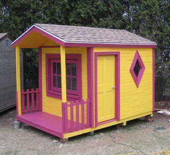 Completed wood pallet playhouse for kids