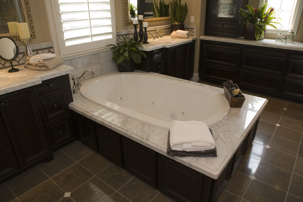 24 Soaking Tub Ideas For Your Master Bathroom