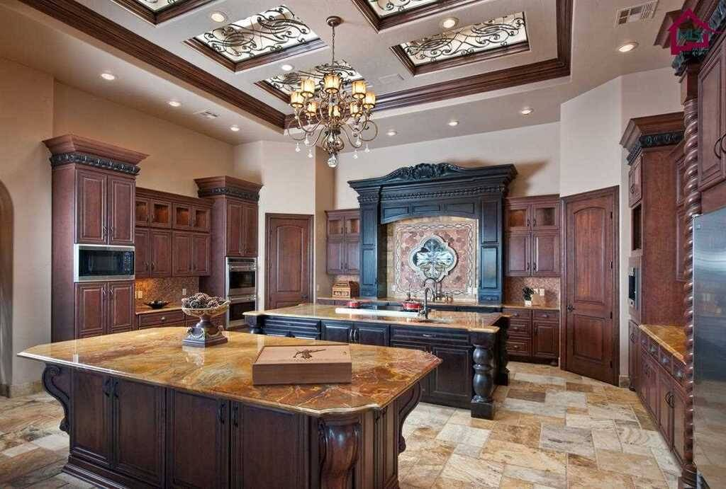 Luxury Custom Kitchen Cabinets