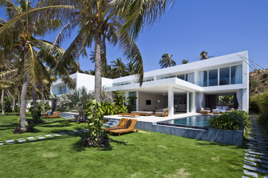 Oceanique Villa by MM Architects