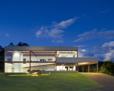 Casa das Gerais art gallery home exterior