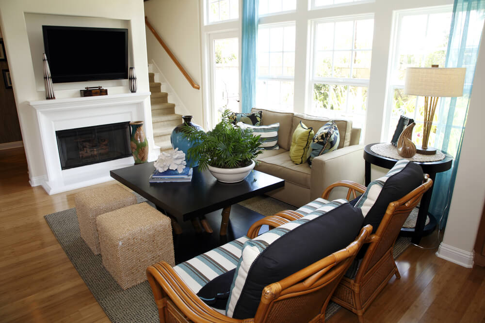 6 ways to make a small room feel bigger - Large furniture in small living room ...