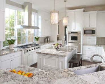 Stunning white kitchen by Ellen Grasso in Dallas Home