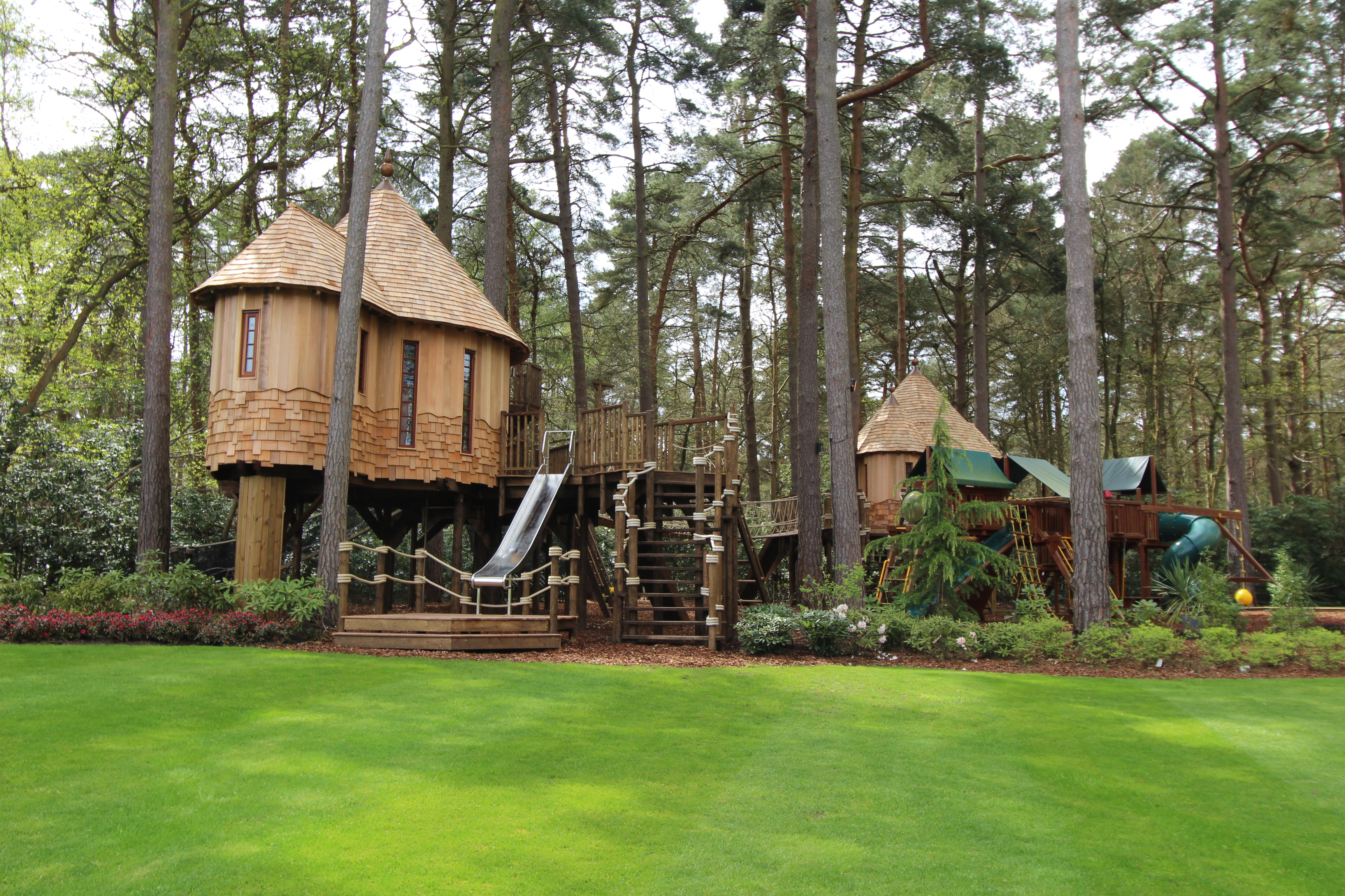 enchanted hideouts treehouse designed by blueforest