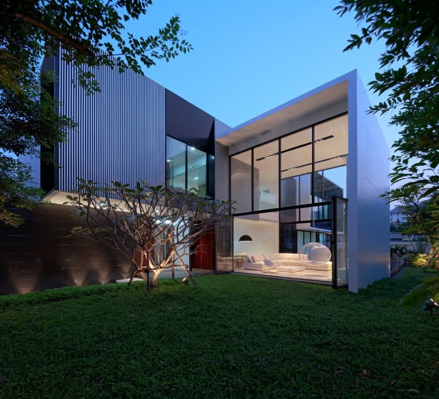 Modern home design by Ayutt and Associates Design