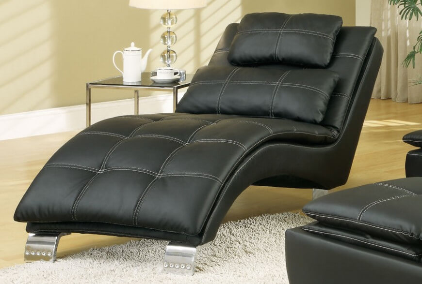 20 Top Stylish and Comfortable Living Room Chairs : Black leather modern living room chair from www.homestratosphere.com size 870 x 587 jpeg 77kB