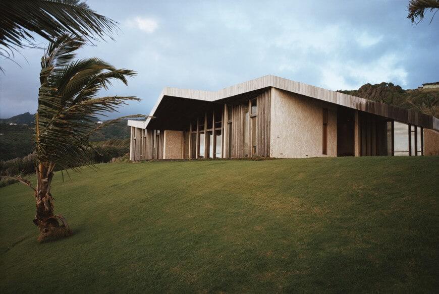 Gorgeous Cliff Top Maui House By Dekleva Gregoric Arhitekti
