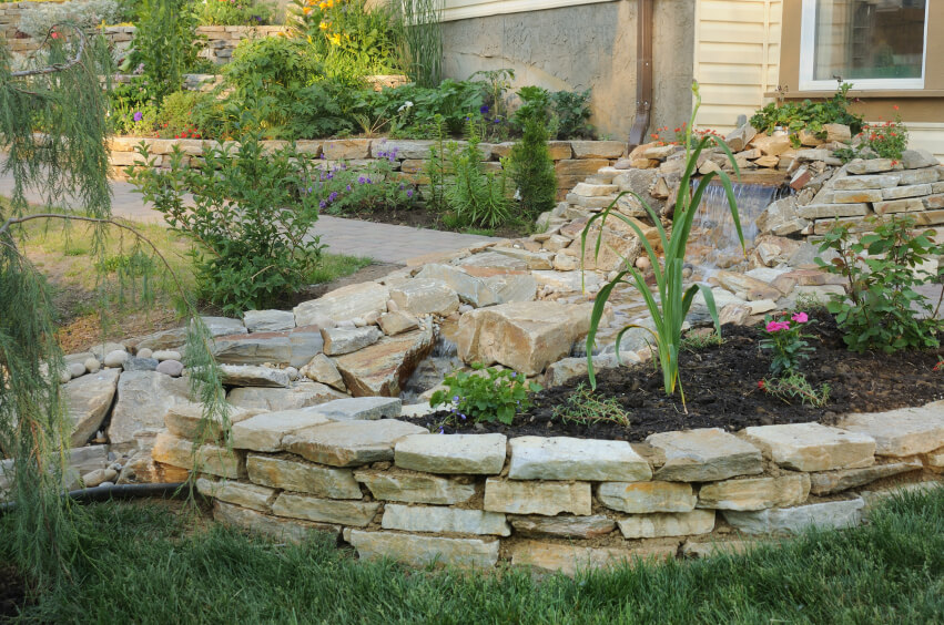 Small Retaining Wall Ideas: 50 Backyard Retaining Wall Ideas And Terraced Gardens (Photos
