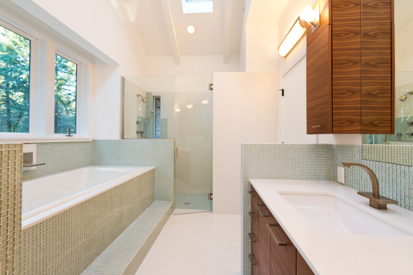 26 Bathroom With Skylight
