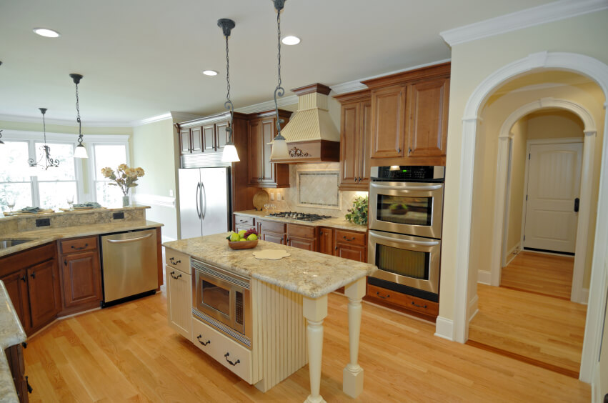 Excellent 52 Enticing Kitchens with Light and Honey Wood Floors (PICTURES) QW04