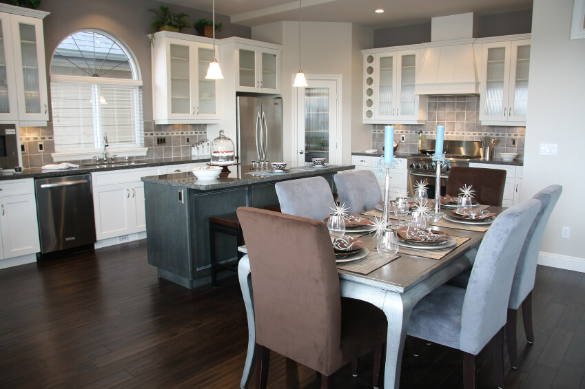 - 35 Striking White Kitchens With Dark Wood Floors (PICTURES)