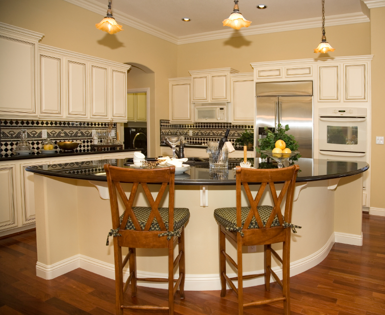 This Cottage Kitchen Has A Gorgeous And Geometrical Backsplash Stunning Wood Floor The