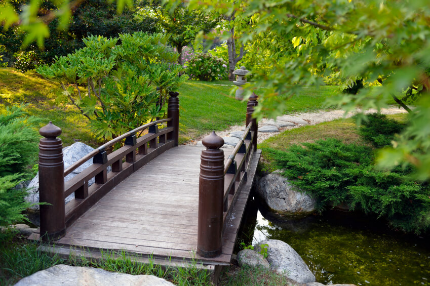 Ornate railings are a hallmark of an ornamental garden, particularly in Japanese gardens.