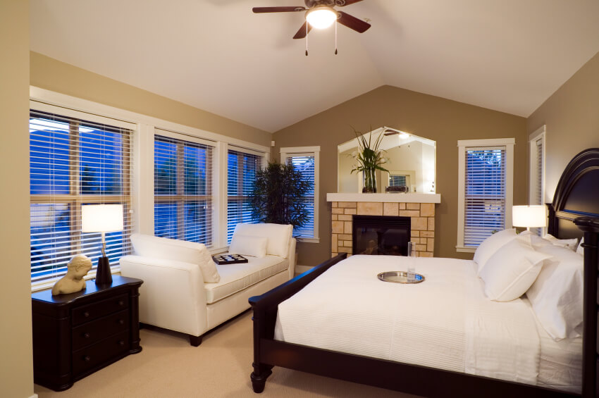 Astonishing 30 Glorious Bedrooms With A Ceiling Fan Interior Design Ideas Tzicisoteloinfo