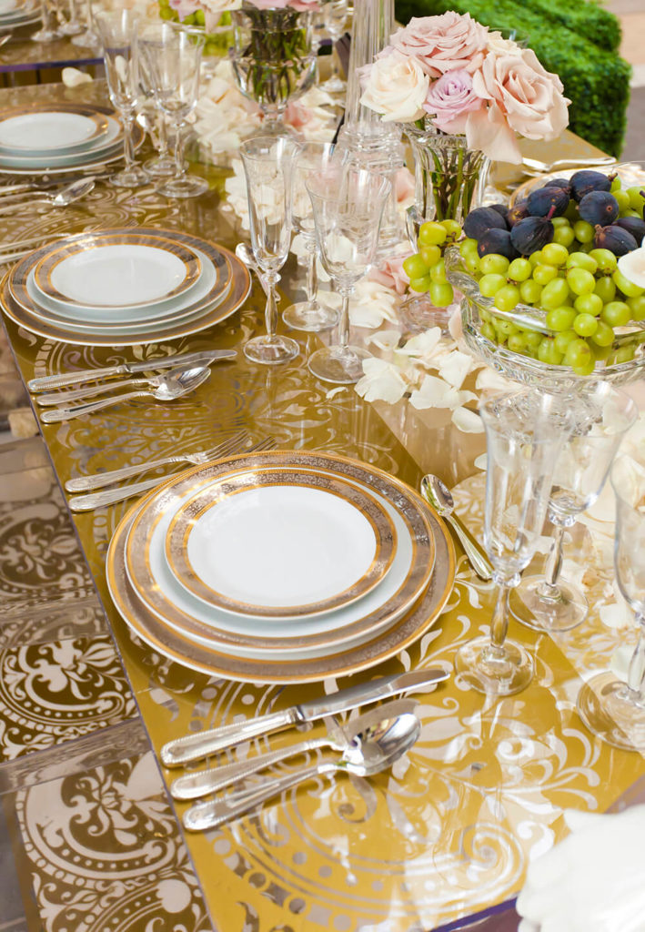44 terrific table setting ideas for dinner parties - Dining table setting ideas ...