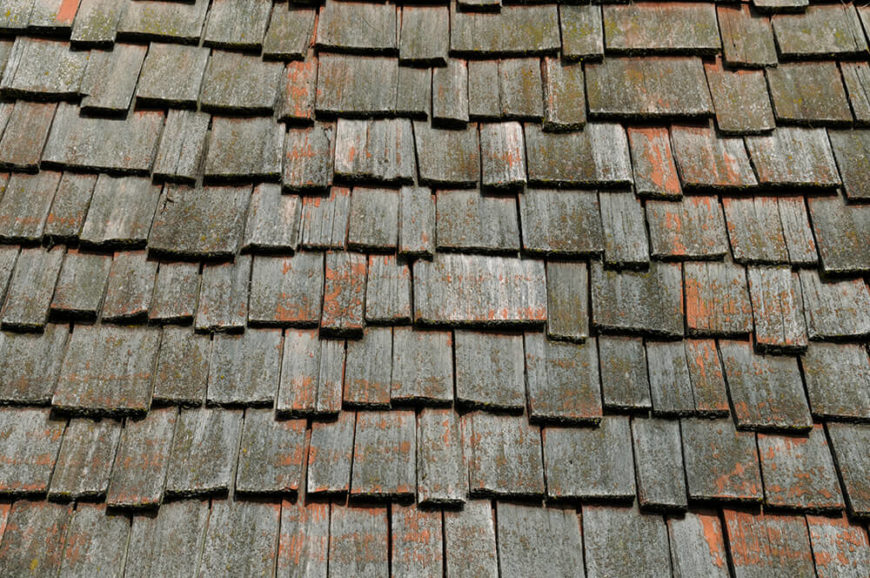 Here we can see that gorgeous mutli-tone in cedar shingles. This unique set has more than just gray and brown-- it has hints of burnt orange too!