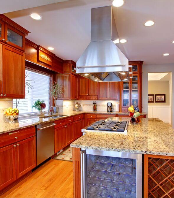 25 Spectacular Kitchen Islands with a Stove (PICTURES)