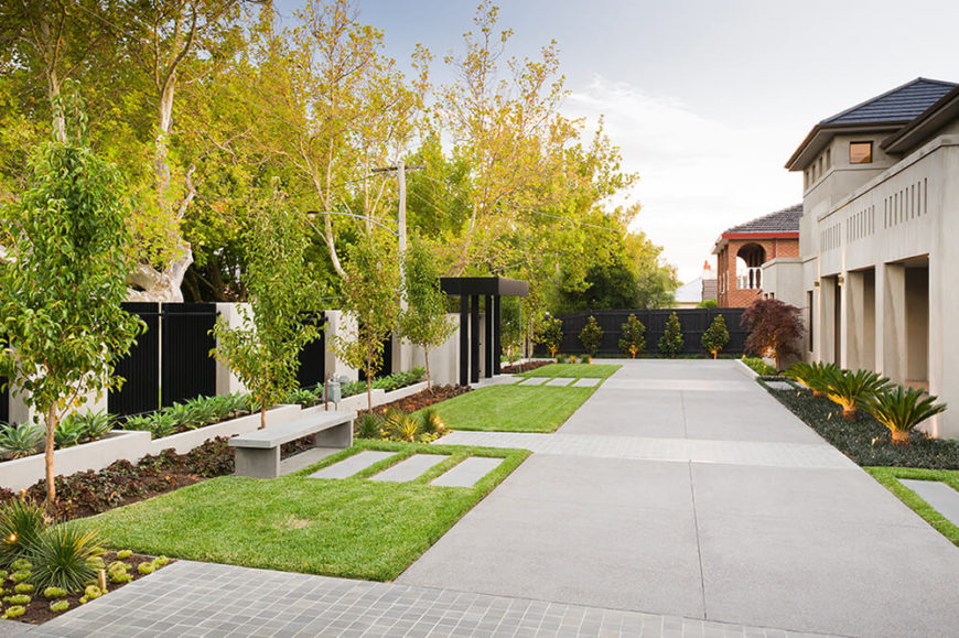 Moving toward the outer edge of the incredibly detailed landscape, we see the perimeter wall flanked by rows of container gardens, benches, and trees. This appealing mixture of natural and modern construction elements defines the project.