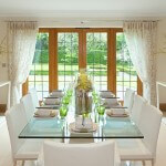 22 Elegant Dining Rooms With Upholstered Chairs
