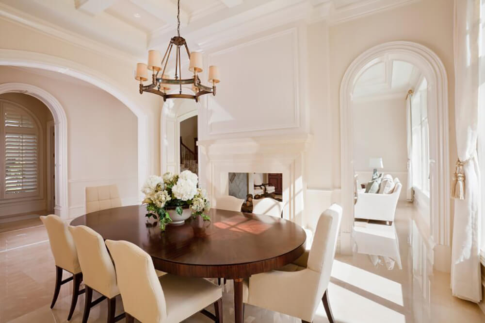 90 Stunning Dining Rooms With Chandeliers (PICTURES)