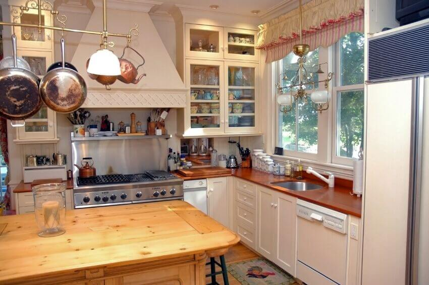 Kitchens With Hanging Pot Racks PICTURES - Kitchen pot rack light fixtures