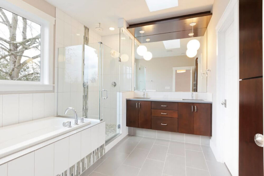 28 Gorgeous Bathrooms with Dark Cabinets (LOTS OF VARIETY)