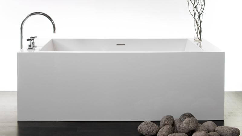 The BC03 bathtub features the same interior space of the BC02, but in a more compact design. The BC03 features a built-in overflow and a Soft Toe Touch Drain in either polished chrome or brushed nickel finishes.