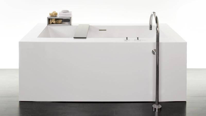 The BC10 tub is similar in design to the BC01 and BC02, differing in one key way: size. The luxurious bathtub features enough room for a single bather to submerge completely, while the BC01 and 02 models feature enough room for dual bathers. A wenge-colored bathtub caddy is included with the BC10 tub.