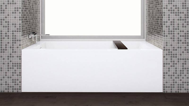 This unique replacement model is similar to the BC12 bathtub and shower design, but is ideal for families with small children or elderly family members, and comes with a wenge-colored bathtub caddy.