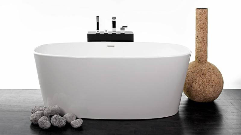 The bathtubs of the OVE collection are oval in shape, featuring slender, rounded edges and sensuous curves. The smaller construction fits a single bather, with the depth allowing that bather to submerge completely in the water. The BOV 01-62 is available as freestanding only.