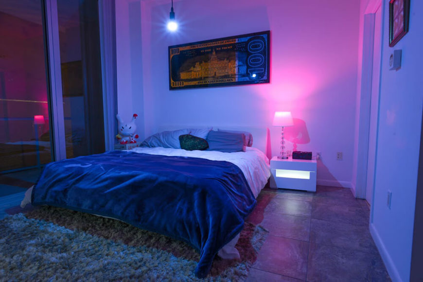 Forget about covering your room with cluttered decorations and pointless knick knacks. The SmartFx Bulb completely provides that attention grabbing factor to impress guests.