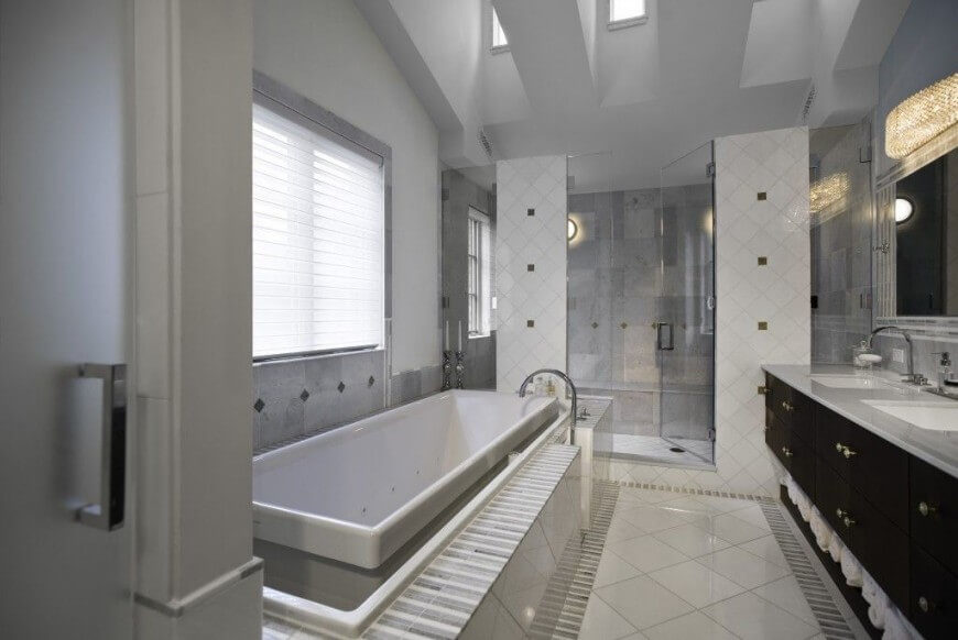 The Ultimate Guide To Grey Bathrooms: 35 Enviable Master Bathrooms By Popular Designers