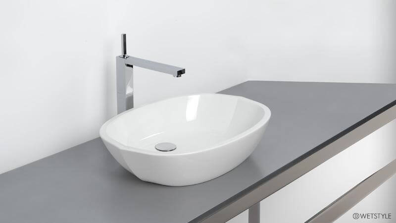 The Be Collection from WETSTYLE is designed with the calm, relaxing, and sinuous shapes inspired by nature. The shape of the VBE 821 vessel sink is slightly pointed at each end, evoking the image of a walnut shell floating gently down a creek. The VBE 821 sink comes in True High Gloss or Matte WETMAR BiO™ finishes.