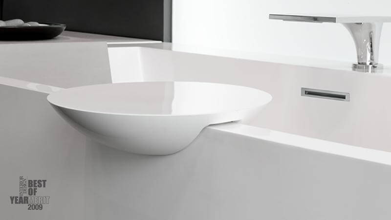 The round platter is the perfect addition to a freestanding bathtub where you need a small shelf to hold a book or other bathing necessities. The round platter is designed to perfectly fit Cube collection bathtub models BC02, BC04, and BC04-I. Made out of WETMAR BiO™, the round platter is available in True High Gloss™ or matte. The round platter has a 11 3/4 inch diameter.